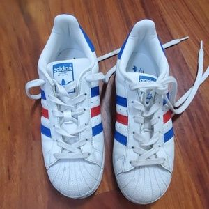 Adidas sz. 5 1/2 fits women's 6.5